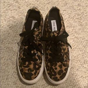 Steve Madden Leopard platform sneakers